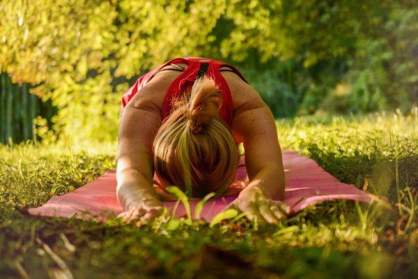 5 лесни Йога пози при напрежение в кръста